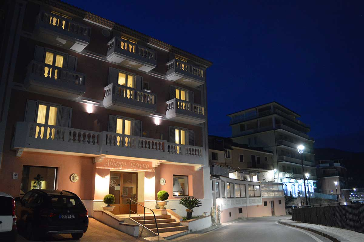 Hotel albergo tirreno - Albergo diffuso specchia ...
